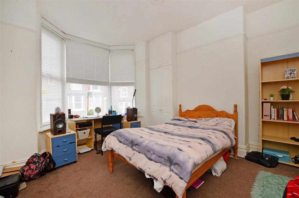 Groundfloor bedroom.png