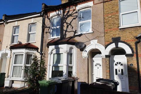 2 bedroom flat to rent - Etchingham Road, Leyton