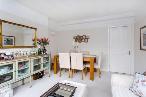2 bedroom flat for sale - Hamlet Gardens, Ravenscourt Park, W6