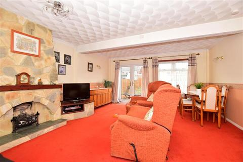 3 bedroom terraced house for sale - Dumergue Avenue, Queenborough, Kent