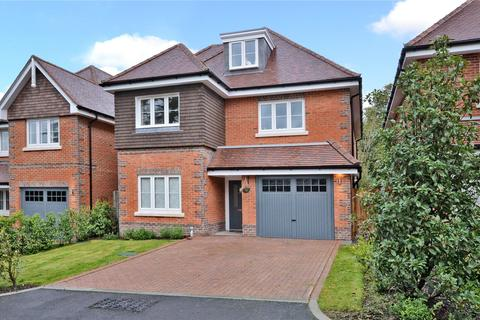 5 bedroom detached house for sale - Brambling Close, Banstead, Surrey, SM7