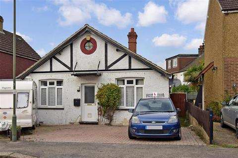 3 bedroom bungalow for sale - Althorne Road, Redhill, Surrey
