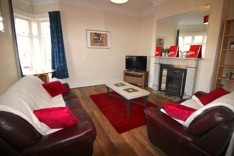4 bedroom terraced house to rent - Devonshire Place, Jesmond, Newcastle upon Tyne  NE2