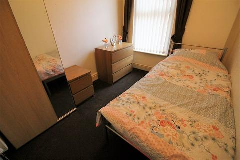 1 bedroom house share to rent - Room  Gladstone Road, Liverpool