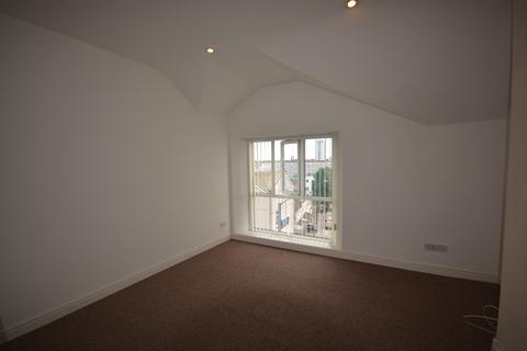 1 bedroom house to rent - 1 bedroom Flat Student in Central Swansea