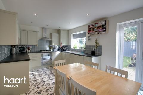 3 bedroom link detached house for sale - Olympian Close, Wisbech