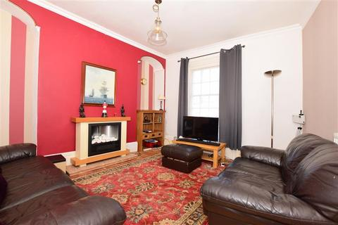 2 bedroom townhouse for sale - High Street, Dover, Kent