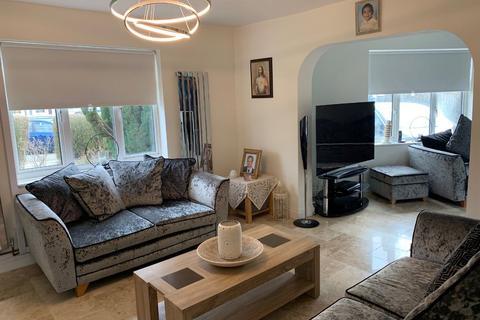 3 bedroom semi-detached house to rent - Cambridge Road, TW4
