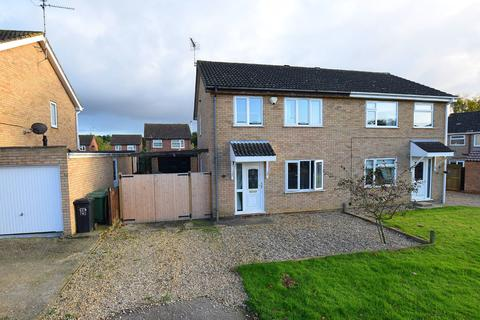 3 bedroom semi-detached house for sale - Langley Road, South Wootton