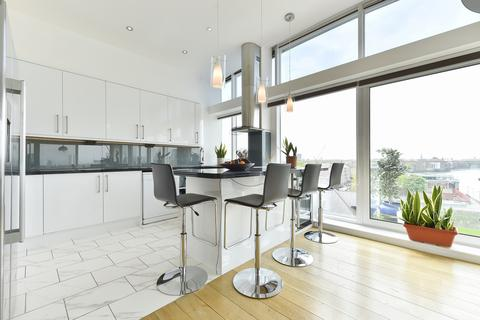 3 bedroom penthouse for sale - Rotherhithe Street, London