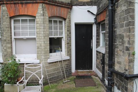2 bedroom ground floor maisonette for sale - Mowbray Road, New Barnet, Barnet
