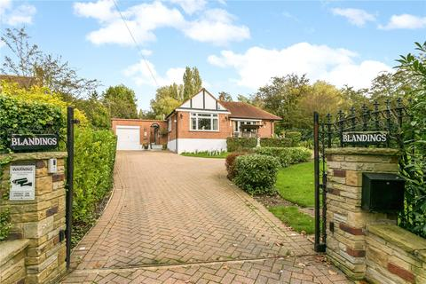 4 bedroom detached bungalow for sale - Potter Street Hill, Pinner, Middlesex, HA5