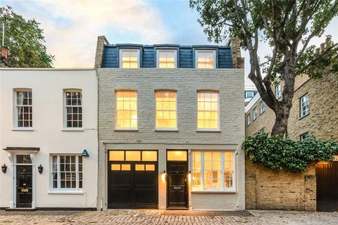 3 bedroom mews for sale - Eaton Row, London, SW1W