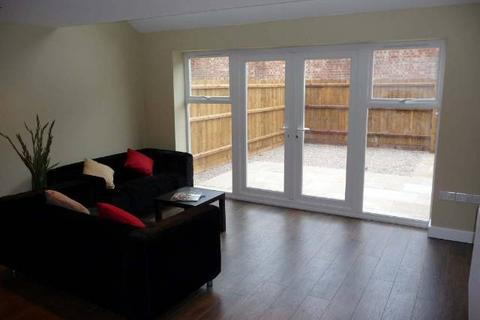4 bedroom house to rent - Eastleigh Road, Off Narborough Road, Leicester