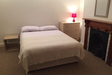 4 bedroom house to rent - Henrietta Street, City Centre, Swansea