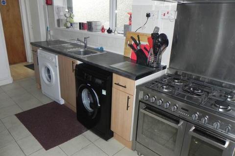 4 bedroom house to rent - Western Street, Sandfields, Swansea