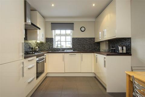 2 bedroom flat - Bellmaker Court, 136 St. Pauls Way, London, E3