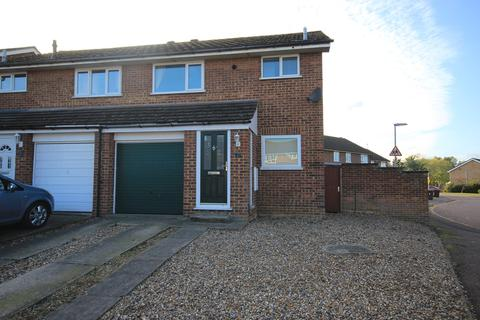 3 bedroom house to rent - Buttermere Close, Flitwick, MK45