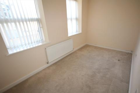 2 bedroom flat to rent - Warwick Place, Pokesdown, Bournemouth, BH7