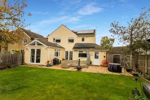 4 bedroom detached house for sale - St Johns Road TACKLEY