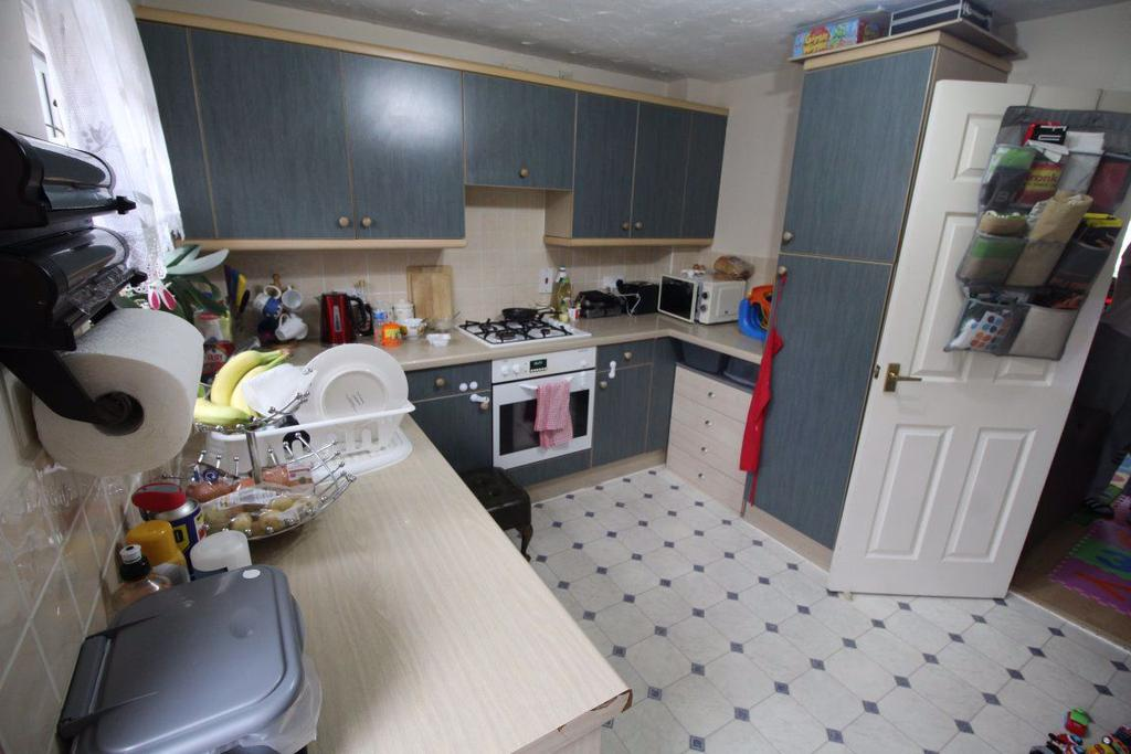 P3576 Lowick Place Emerson Valley Mk 2 Bed House To