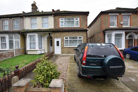 3 bedroom end of terrace house for sale - Barley Lane, Goodmayes, Ilford