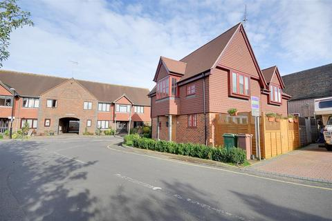 2 bedroom semi-detached house for sale - Post Office Road, Hawkhurst