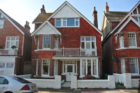 3 bedroom flat to rent - Carlisle Road, Hove BN3 4FS