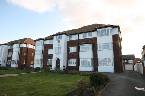 1 bedroom flat for sale - Kings Court, Clifton Drive Sth, Lytham St Annes