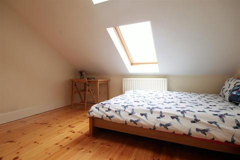 1 bedroom house share to rent - Room 6 In 95 Helmsley Road, Sandyford
