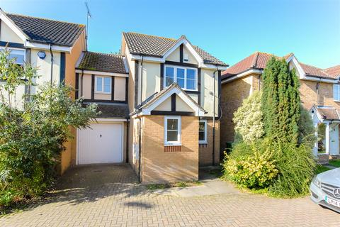 3 bedroom semi-detached house for sale - Earls Lane, Cippenham