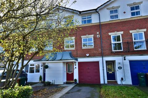 3 bedroom terraced house for sale - Longmans Close, Byewaters, Watford, Hertfordshire, WD18