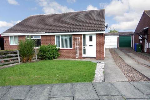 2 bedroom bungalow to rent - Burnham Close, South Beach, Blyth, Northumberland, NE24 3UB