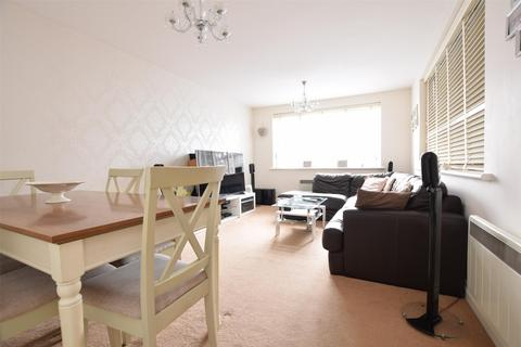 2 bedroom flat for sale - Manor Road, ROMFORD, RM1 2RD