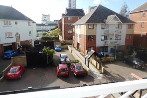 Studio to rent - Highmoor, Marina, Swansea. SA1 1YE