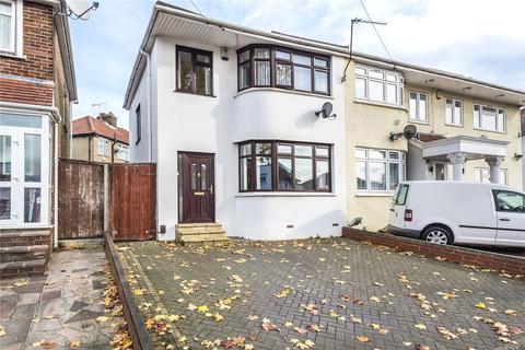 3 bedroom semi-detached house for sale - Turner Road, Edgware, Middlesex, HA8