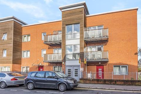 2 bedroom apartment to rent - High Wycombe, Buckinghamshire, HP11