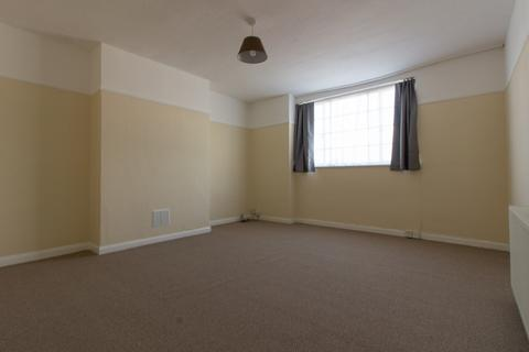 2 bedroom flat to rent - Hoecroft Court, Hoe Lane, Enfield, EN3