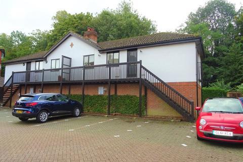 2 bedroom apartment to rent - Great Heathmead, Haywards Heath
