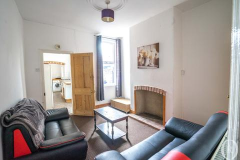 3 bedroom terraced house to rent - 3 Bedroom Student House, Bulwer Road, Clarendon Park