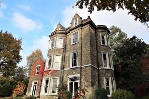 3 bedroom flat to rent - Castle Grove, The Park, Nottingham