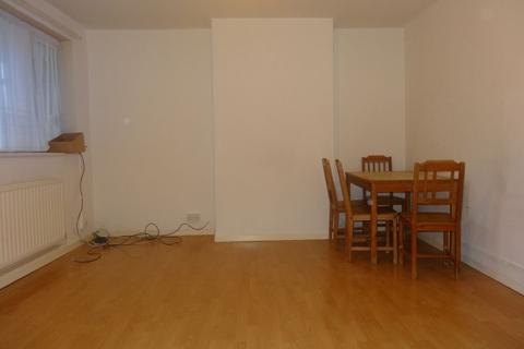 2 bedroom flat to rent - Cat Hill, East Barnet, EN4