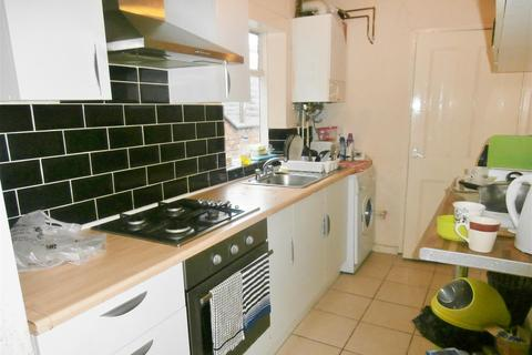 3 bedroom house to rent - Hartopp Road, Leicester