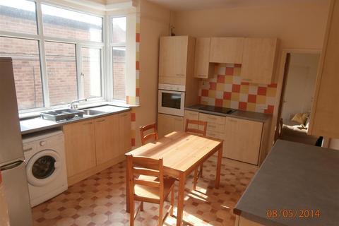 5 bedroom flat to rent - Clarendon Park Road, Leicester
