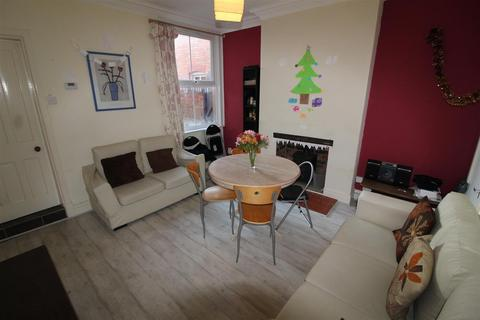5 bedroom house to rent - Lytham Road, Leicester