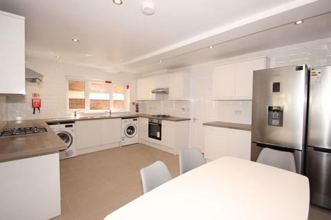 8 bedroom house to rent - Tawney Street, East Oxford