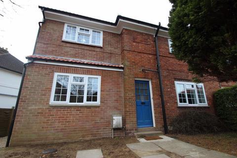 6 bedroom house to rent - Cardwell Crescent, Headington