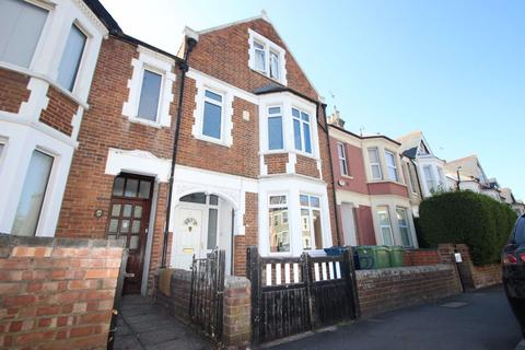 8 bedroom house to rent - Divinity Road, East Oxford