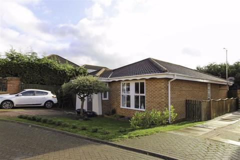 2 bedroom detached bungalow for sale - Curlew Close, Driffield, East Yorkshire