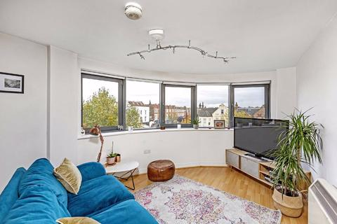 1 bedroom flat for sale - Wallace Court, 288 Balham High Road, Balham
